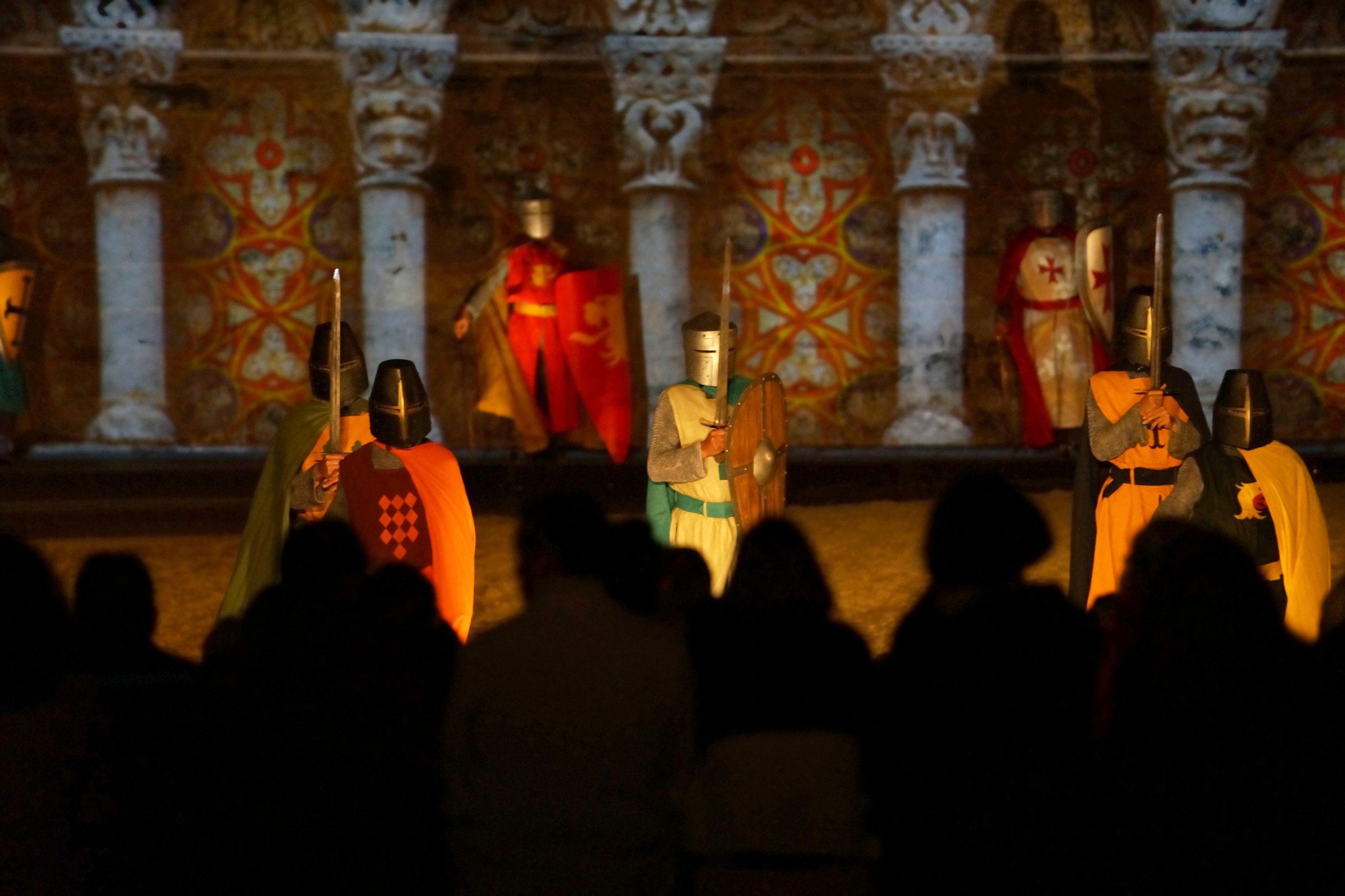 Projection, spectacle vivant et parade équestre à Saumur
